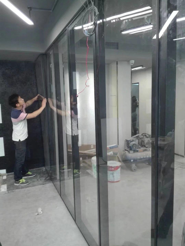 玻璃移动隔断